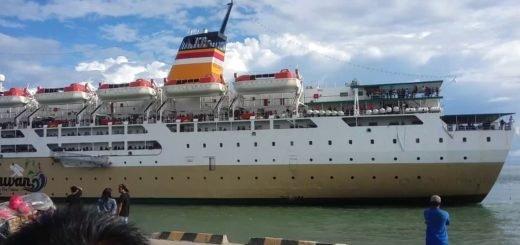 kapal pelni KM Bukit Siguntang